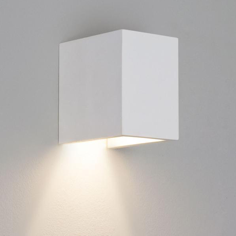 Astro 39 parma 625 39 ip20 wall light white finish 7040 from easy lighting for Appliques murales contemporaines